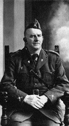General O'Duffy con el uniforme de la Brigada Irlandesa